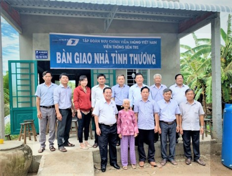 VNPT Bến Tre trao nhà tình thương tại xã Mỹ Thạnh