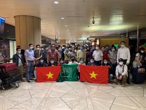 Đưa hơn 270 công dân Việt Nam từ Cyprus và Saudi Arabia về nước