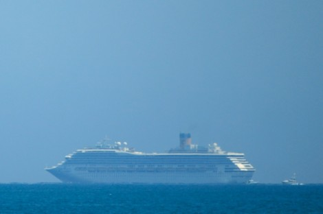 Công ty du lịch Costa Cruises bị kiện về chuyến tàu có người mắc COVID-19