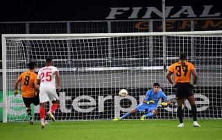 Đá hỏng 11m, Jimenez và đồng đội ngậm ngùi rời Europa League