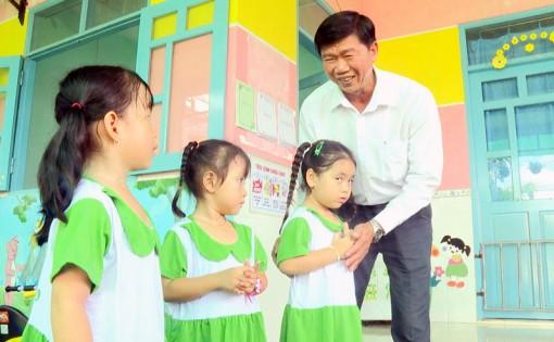 Lãnh đạo huyện Thạnh Phú thăm, động viên cô trò các trường mầm non và nhóm trẻ tư thục