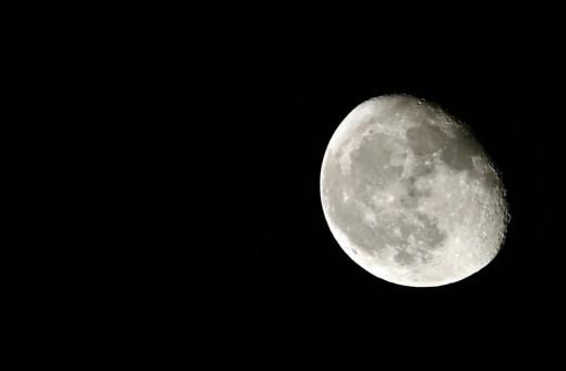 NASA tìm công ty tư nhân phối hợp khai thác trên Mặt Trăng