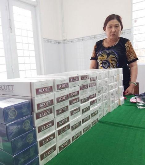 Bắt 2 đối tượng vận chuyển thuốc lá nhập lậu, tàng trữ trái phép chất ma túy