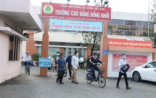 Trường Cao đẳng Ðồng Khởi đón 200 tân sinh viên