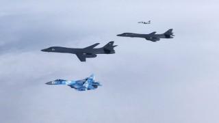 Tiêm kích Nga chặn 2 máy bay ném bom của Mỹ trên biển Bering