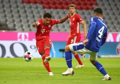 Bayern đại thắng Schalke ở trận mở màn Bundesliga