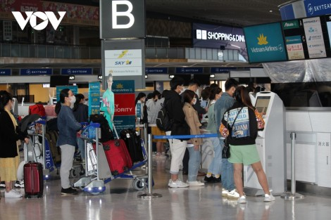 Chuyến bay thương mại đầu tiên của Việt Nam hạ cánh an toàn tại Nhật Bản