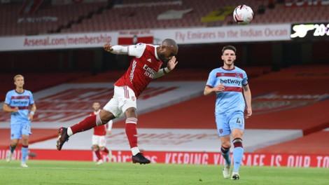 Sao trẻ ghi bàn phút cuối, Arsenal nhọc nhằn giành 3 điểm
