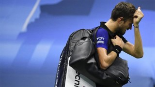 Hạt giống số một Daniil Medvedev thua trận đầu ở Hamburg