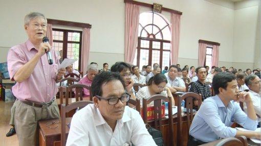 Bí thư Thành ủy và Chủ tịch UBND TP. Bến Tre đối thoại với nhân dân