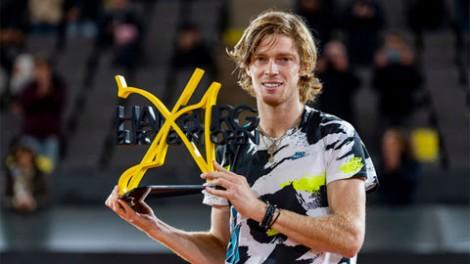 Hạ Tsitsipas, Rublev vô địch German Open 2020